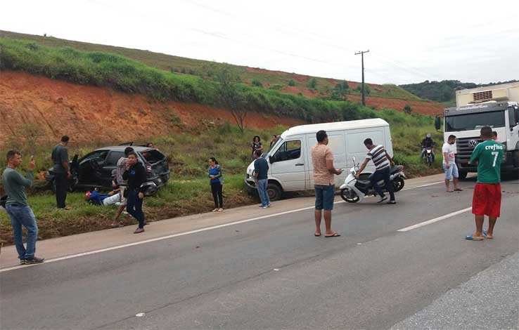 Acidente deixa dois feridos e trânsito lento na BR 040
