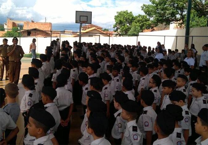 PM comemora início do ano letivo no Colégio Tiradentes