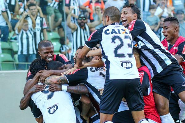 Galo vence Uberlândia e segue na ponta do Mineiro