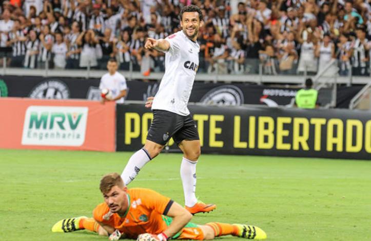 Com Fred impiedoso, Galo goleia América e se isola na ponta do Mineiro