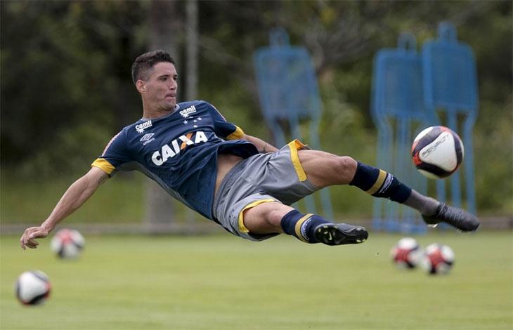 Thiago Neves tem nome publicado no BID e deve estrear na quarta-feira