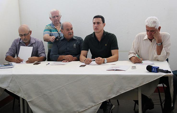 Leone Maciel toma posse como presidente da Amav