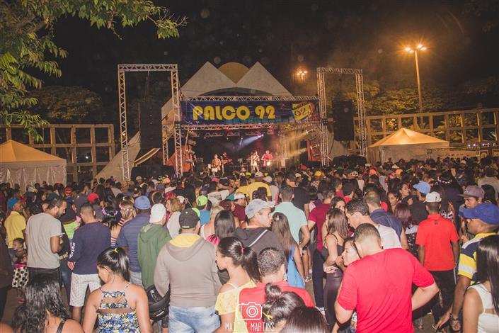 Foliões mantêm energia no último dia de Carnaval no Parque Náutico da Boa Vista