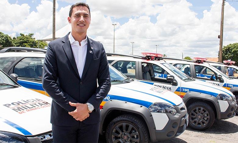 Douglas Melo anuncia entrega de viaturas à PM em nove cidades da região