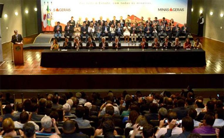 Governo empossa prefeitos e vereadores para Fórum Regional de Desenvolvimento