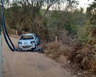 Polícia encontra dois corpos carbonizados em uma estrada de terra em Sete Lagoas