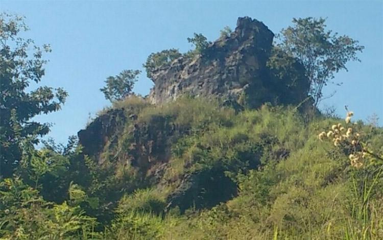 Bombeiros encontram corpo em decomposição em caverna no São João