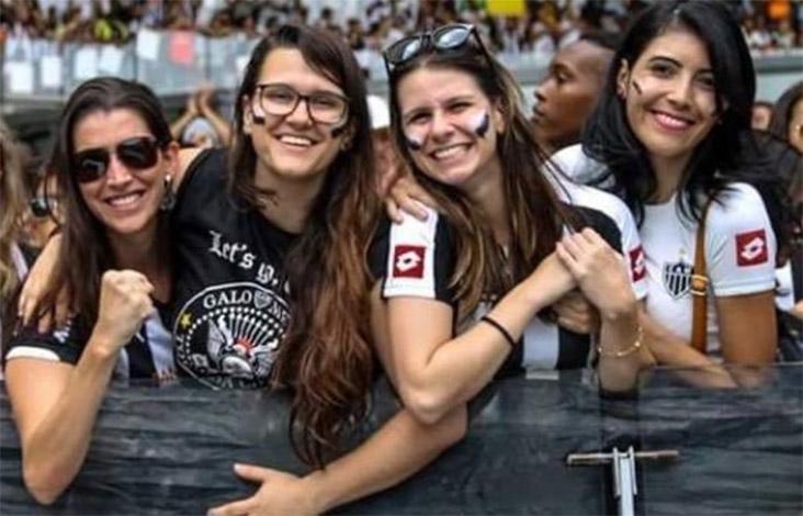 Atleticanas organizam homenagem para celebrar aniversário do Galo