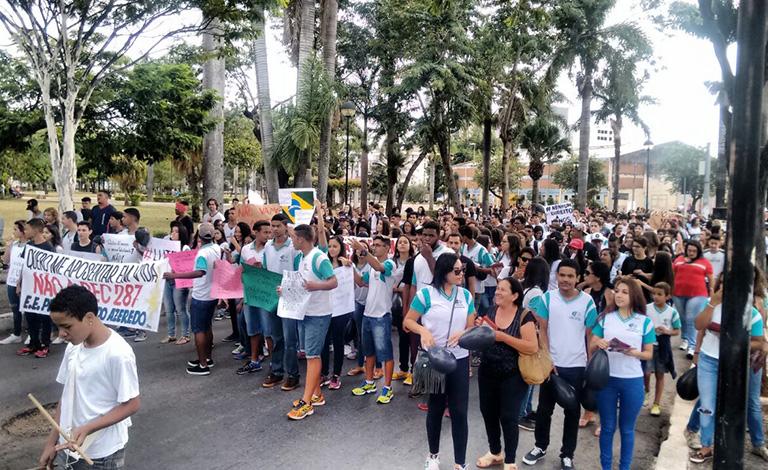 Estudantes de Sete Lagoas promovem ato contra a Reforma da Previdência