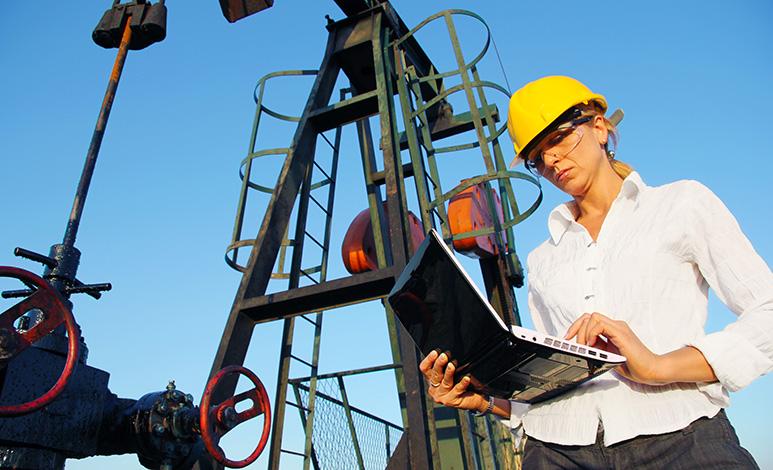 Mulheres trabalham 5,4 anos a mais do que homens ao longo da vida, diz Ipea