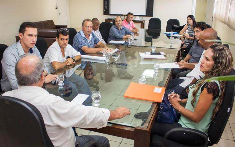 Douglas Melo segue rotina de reuniões com lideranças regionais