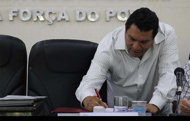 Caramelo quer isenção de pagamento de IPTU em casos específicos