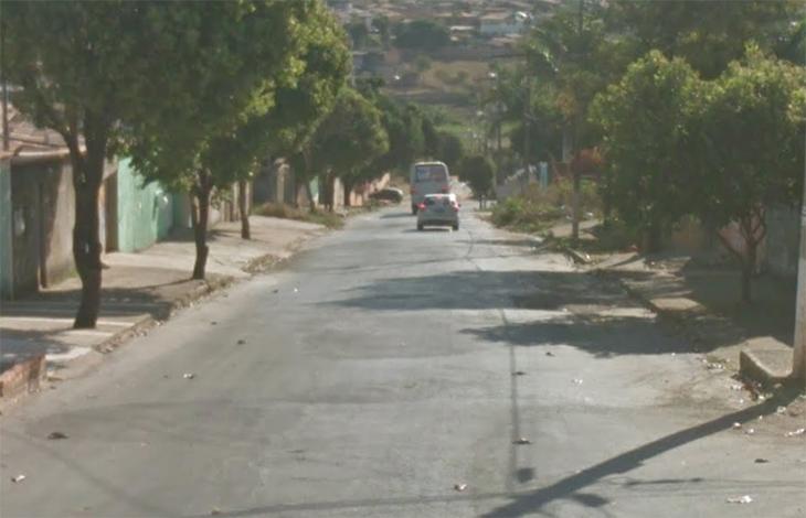 Homem é morto a tiros e pedradas no Bairro Itapuã II