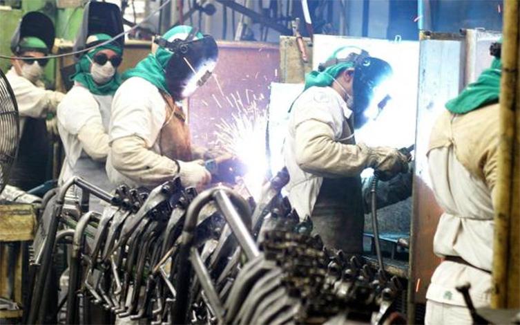 Indústria demonstra tímidos sinais de recuperação, diz IBGE