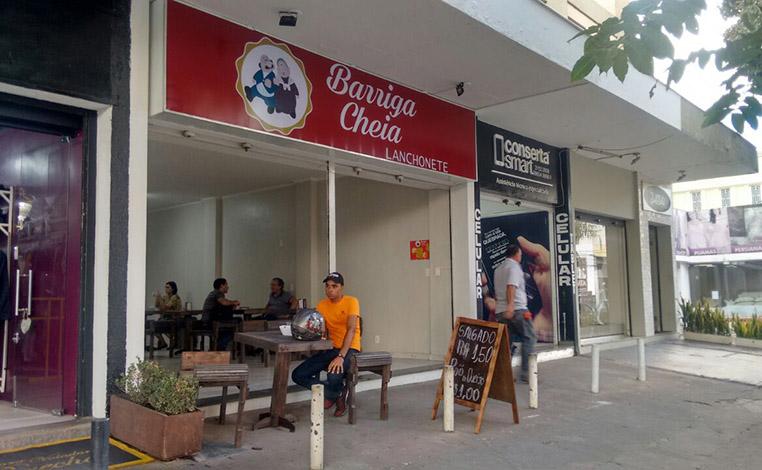 Barriga Cheia aposta no preço baixo para conquistar clientes em Sete Lagoas