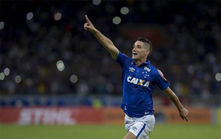 Cruzeiro passa sufoco em partida eletrizante, mas avança na Copa do Brasil