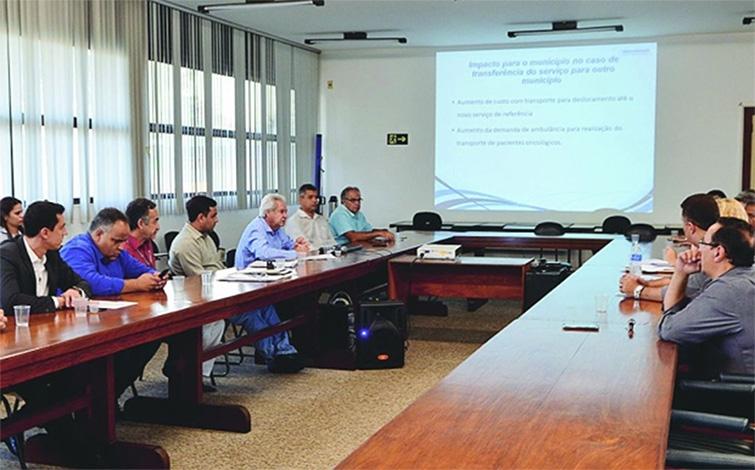 Douglas Melo e prefeitos se reunirão com o governador por oncologia no HNSG