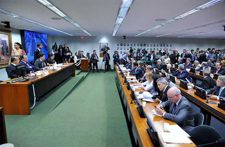 Comissão da Câmara dos Deputados aprova relatório da Reforma Trabalhista