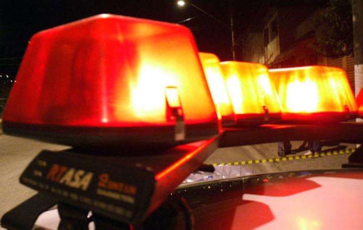 Idosa é agredida com barra de ferro em tentativa de assalto no Belo Vale I