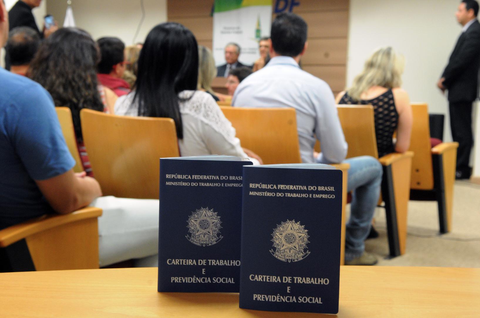 Desemprego continua a crescer no país e atinge 14,2 milhões de brasileiros