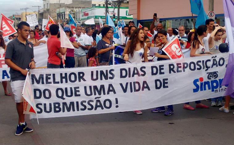 Manifestantes fecham ruas de Sete Lagoas em protesto contra reformas