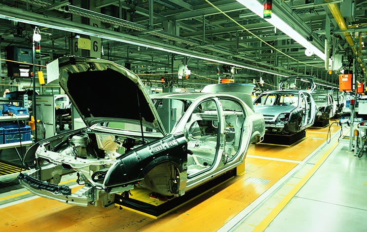 Produção industrial cai 1,8% em março