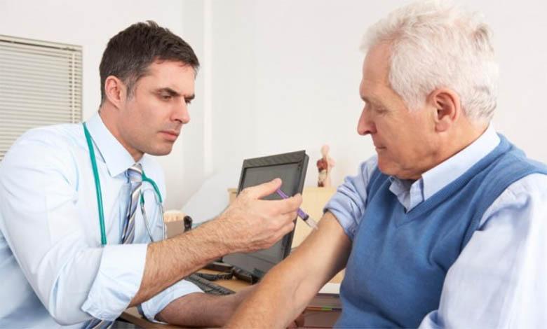 Anteprojeto que prevê vacinação de idosos em domicílio tramita na Câmara