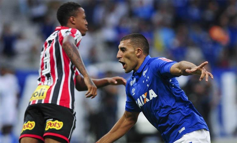 Cruzeiro supera pressão e vence São Paulo na estreia do Brasileirão