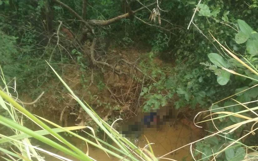 Homem é encontrado morto em uma grota alagada no Bairro Alvorada
