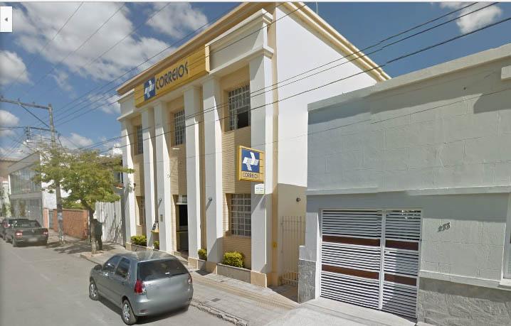 Trio armado assalta agência dos Correios no Centro de Pedro Leopoldo
