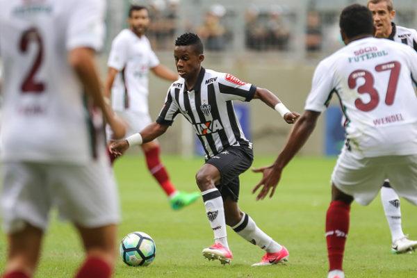 Galo perde na estreia diante de sua torcida no Brasileirão