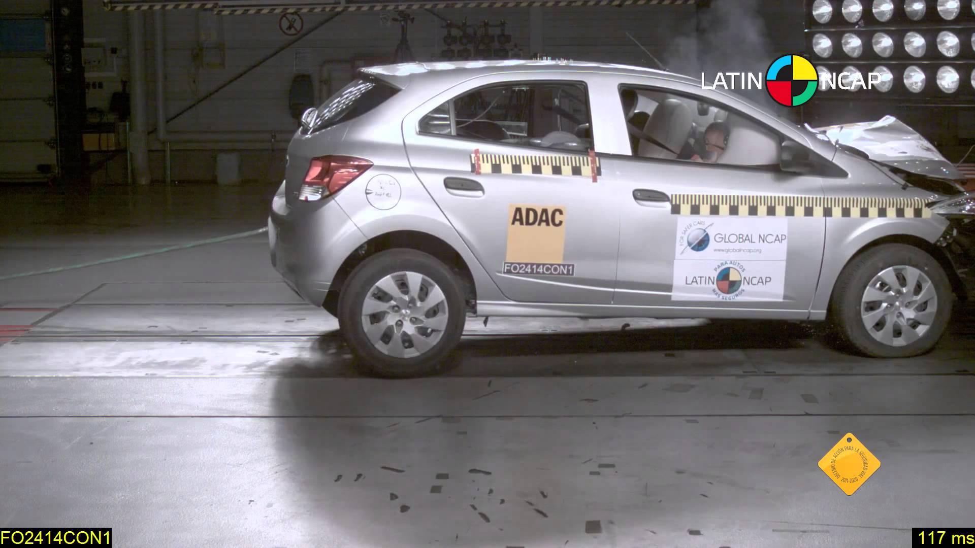 Fotos: Divulgação: Após a nota zero no teste de segurança, Latin NCap recomenda que GM equipe o Onix com air bags laterais