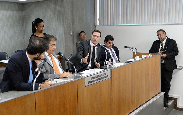 ALMG aprova Projeto de Lei de Douglas Melo para controle de venda de imóveis