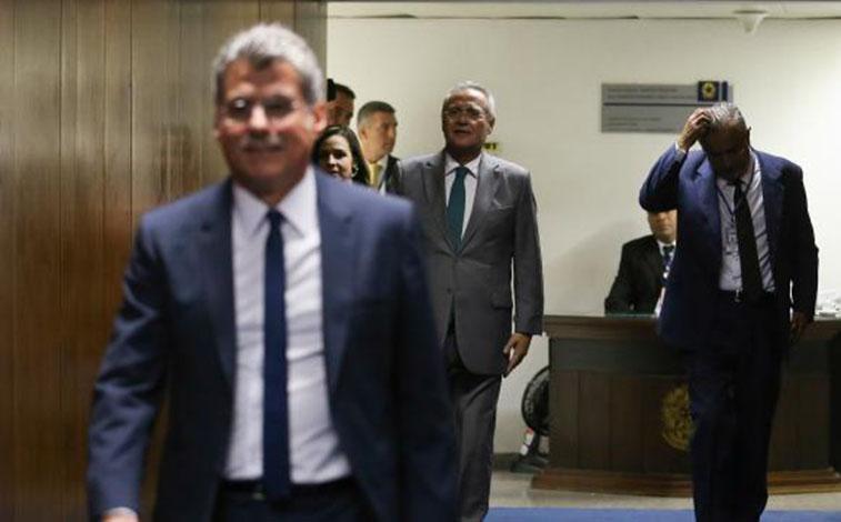 PMDB fecha apoio à Reforma Trabalhista e mantém Renan Calheiros líder