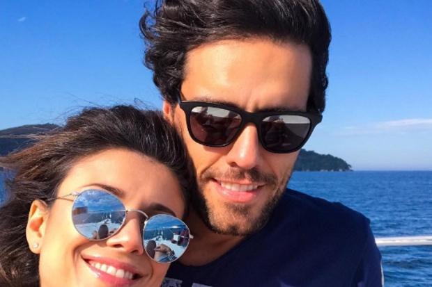 Paula Fernandes confirma suspeitas dos fãs e assume namoro com músico