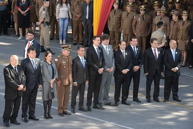 PM concede honraria a Douglas Melo e a mais cinco parlamentares