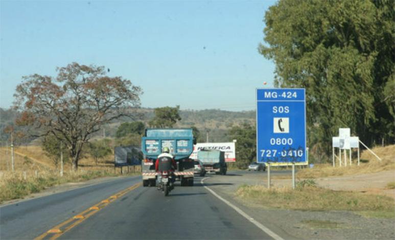 Veículos de grande porte terão restrições para trafegar em rodovias neste domingo