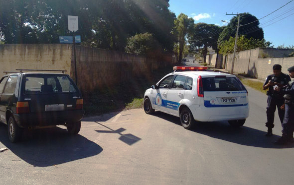Guarda Municipal de Sete Lagoas recupera carro roubado no Vapabuçu