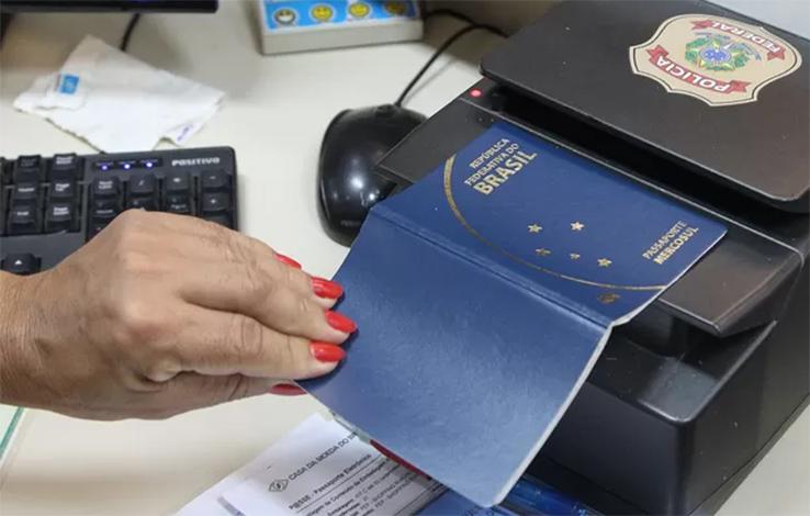 Por falta de dinheiro, Polícia Federal suspende emissão de passaportes