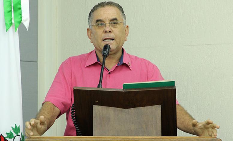 Milton Martins propõe brecar contratação de empresas sem