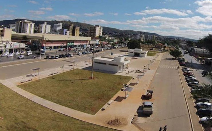 Douglas Melo anuncia recursos para Terminal Urbano de Transporte