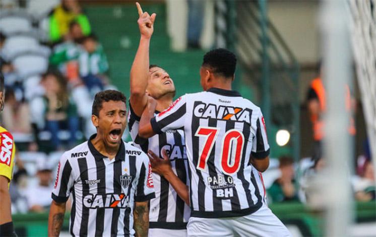 Galo reage e vence o Coritiba fora de casa pelo Brasileirão
