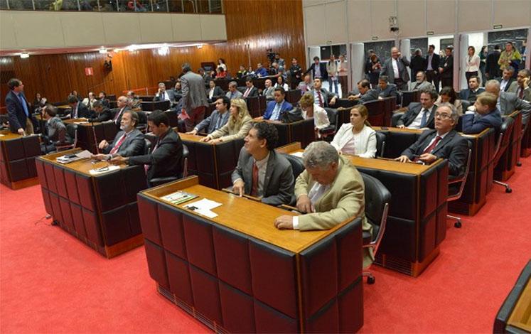 Assembleia volta do recesso com vetos do governador na pauta de trabalho