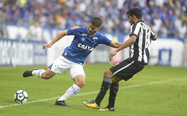 Cruzeiro cria, mas segue sem conseguir fazer gols jogando em casa