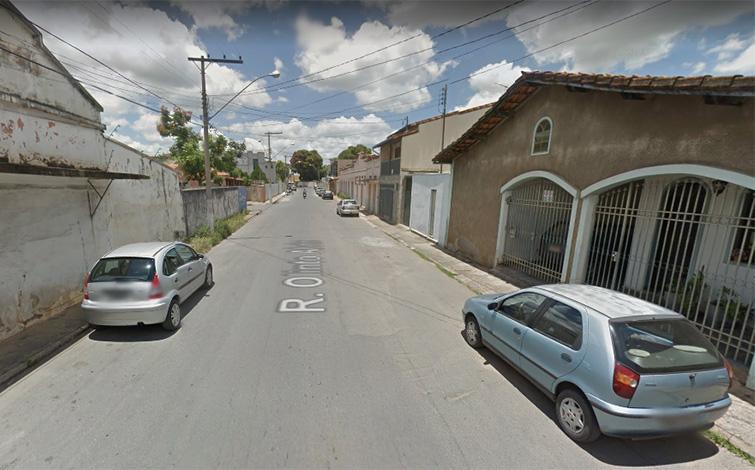 Mulher é encontrada morta com perfurações de faca no Bairro Vila Brasil