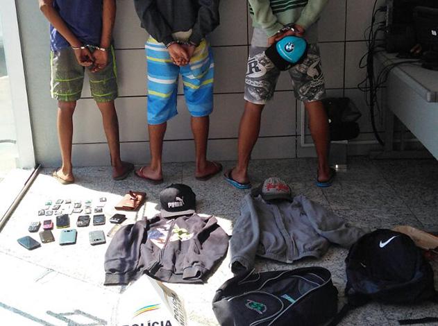 Trio suspeito de assalto a ônibus é detido pela PM no Barreiro