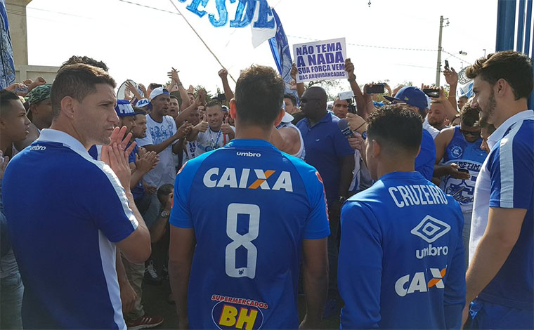 Cruzeiro recebe apoio em treino e terá mais de 50 mil na decisão de hoje