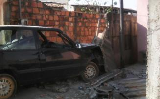 Dupla é presa no Santa Marcelina após bater carro roubado