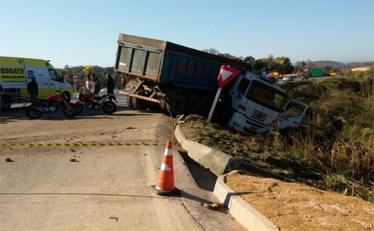 Uma pessoa morre e duas ficam feridas em acidente na BR 040