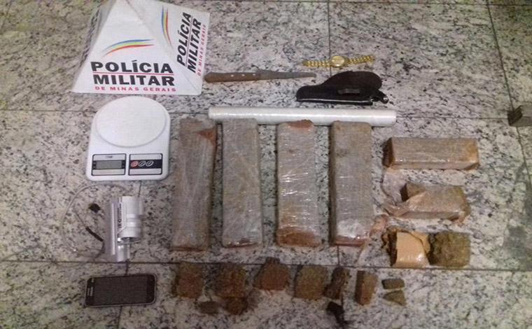 PM apreende drogas e prende traficantes no Bairro Itapuã